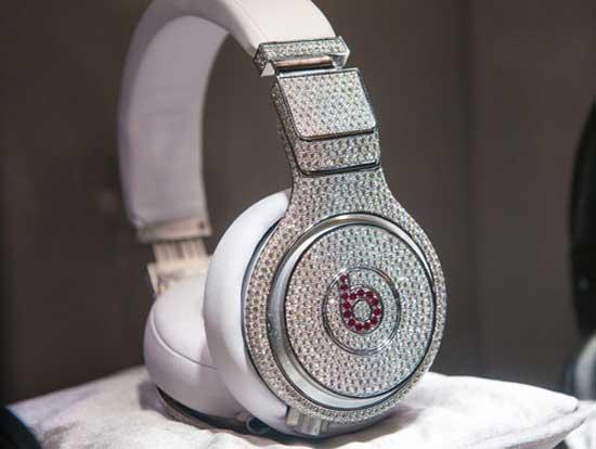 Самые дорогие аксессуары для смартфонов - наушники Beats by Dr Dre Graff Diamonds