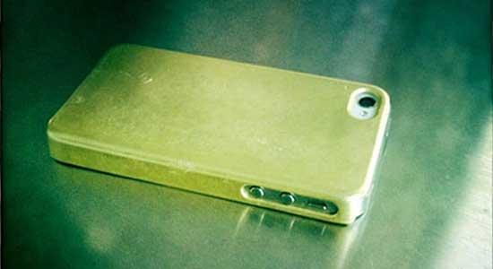 Самые дорогие аксессуары для смартфонов золотой - кейс Miansai для iPhone