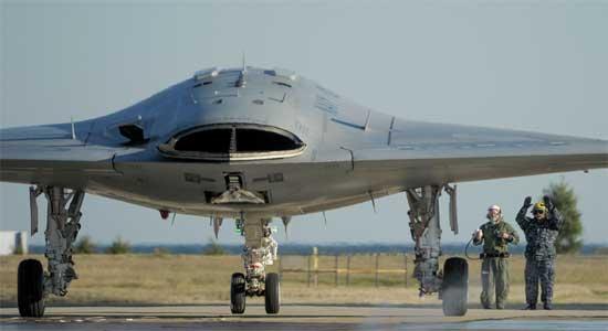 США - Новый палубный БПЛА X-47B производства Northrop-Grumman Corp