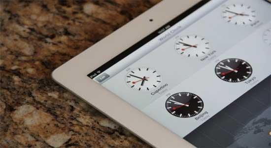 Mondaine - часы швецарских железных дорого для Apple iPhone и iPad