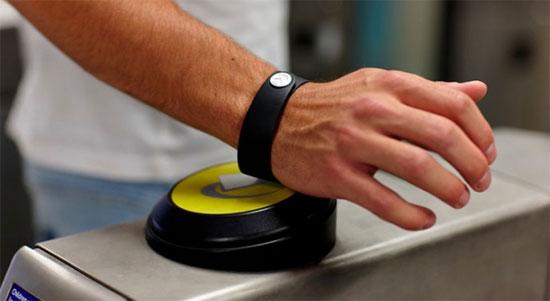 браслет для бесконтактных платежей Barckays - tfl