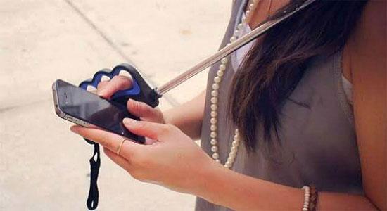 Прикольные аксессуары для смартфонов - зонтик Brolly