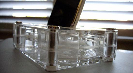 прикольные аксессуары для смартфонов - акустический усилитель Griffin AirCurve