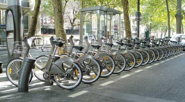 Эксперты: новый городской транспорт - велик напрокат