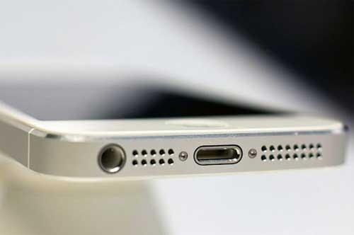 Когда нужна замена разъема зарядки Айфона?