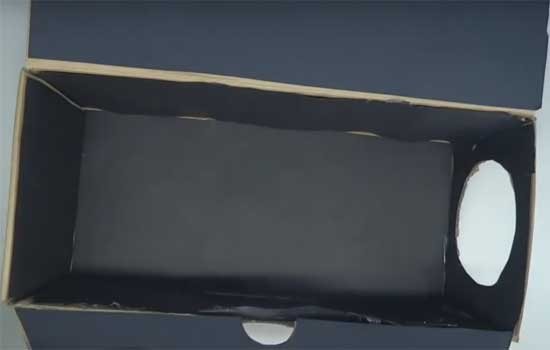 Смартфон, плюс лупа, обувная коробка и клеевый пистолет: как сделать проектор своими руками