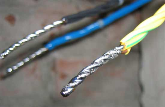 Орешек, клеммник, пайка, скрутка - о том, как правильно соединять электропровода