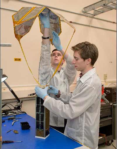 NASA испытывает беспроводную связь в космосе Digi XBee и систему доставки грузов с МКС Exo-Brake - #nasa