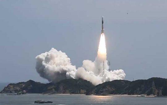 Старт японской H-2A с очередным спутником-шпионом Optical 6 [видео]