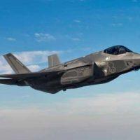 F-35С Lightning II провел первый запуск планирующей управляемой авиабомбы AGM-154 [видео]