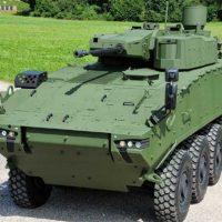 Пентагон начал оснащать старые БТР Stryker в Европе новыми 30-мм пушками [видео]