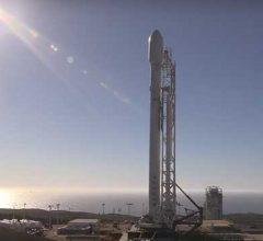 Носитель Falcon 9 выведет на орбиту 90 спутников за раз