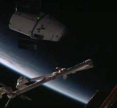Dragon не смог пристыковаться к МКС из-за компьютерного сбоя [видео]