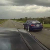 Два режима разгона Tesla Model S на одном драг-примере [видео]