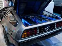 DMC-12 DeLorean EV - машина из Назад в будущее - фотообзор