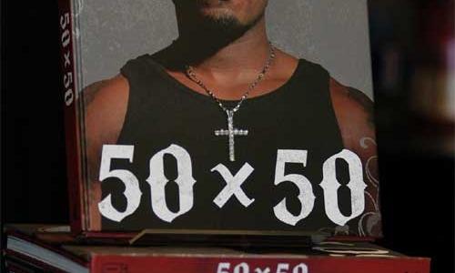 … И ПРИНИМАЕТСЯ ПИСАТЬ КНИГИ О СЕБЕ, ВРОДЕ «50 X 50: 50CENT IN HIS OWN WORDS» (2007) И «PLAYGROUND» (2011)