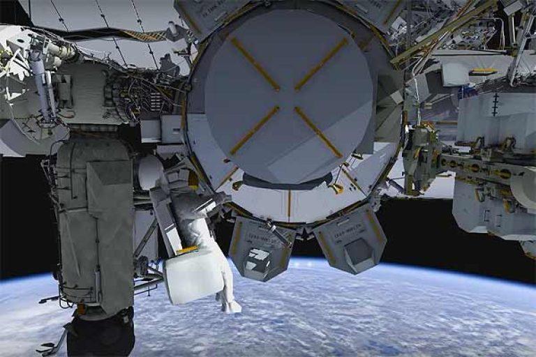 Астронавты #NASA на МКС готовятся менять аккумы в открытом космосе