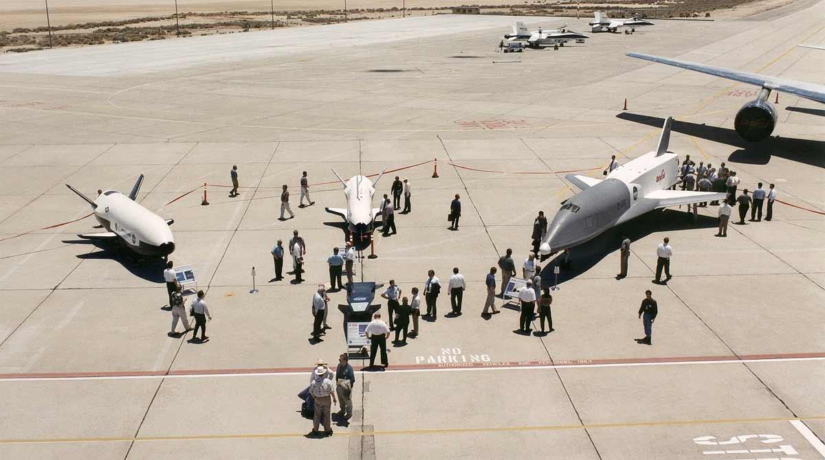 Космический дрон X-37B - маленький, загадочный, опасный