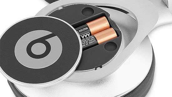Apple: наушники Beats взорвались, потому что батарейки были не той системы