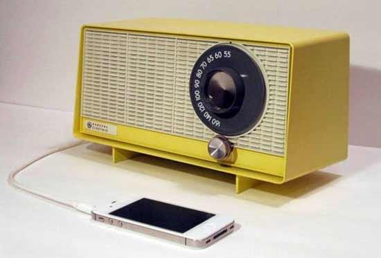 Умная колонка со старого iPhone: дешево, практично и ... эстетично