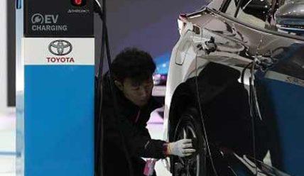 Минкоммерции КНР прогнозирует сохранение темпов роста рынка электромобилей