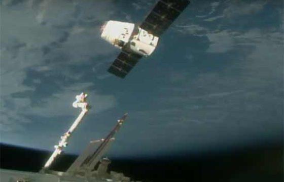 Посадка Dragon с 2т груза с МКС в Тихом океане [видео]
