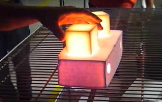 2200 градусов Цельсия – голыми руками: как это делается [видео]