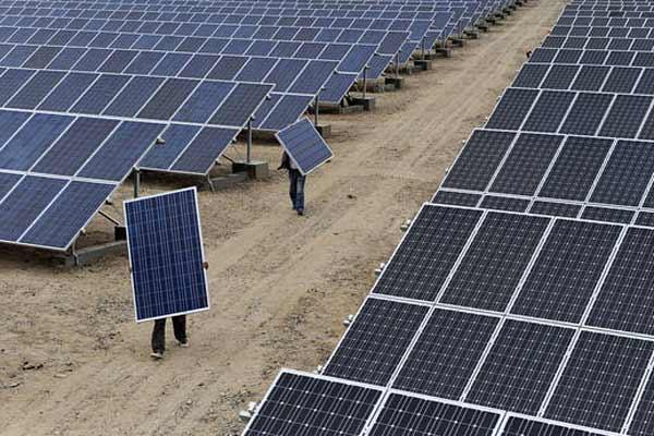 США обложили пошлинами импортные стиралки и солнечные батареи