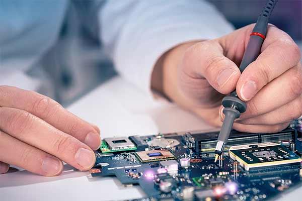 Срочный ремонт ноутбуков: куда следует обращаться в первую очередь