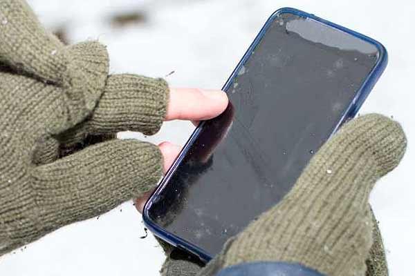 Как нормально юзать iPhone в зимне-морозных условиях? - #iPhone8