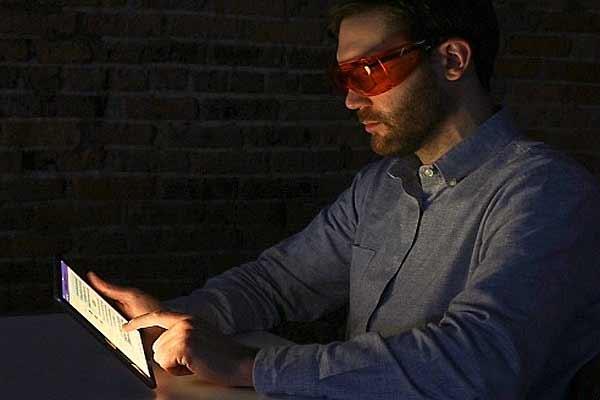 """Исследование: от нарушения сна """"ночной режим"""" Night Shift не спасает - #iPhone"""