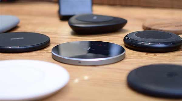 Домашняя Qi зарядка для смартфона: как выбрать самую лучшую? - #беспроводнаязарядка