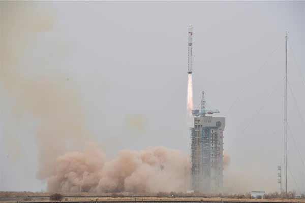 """Старт """"Чанчжэн-2D"""" с новым спутником дистанционного зондирования [видео] - #Space #Video"""