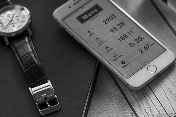 От смарт-часов - к смарт-ремешкам и застежкам для часов: традиции не сдаются - #AppleWatch