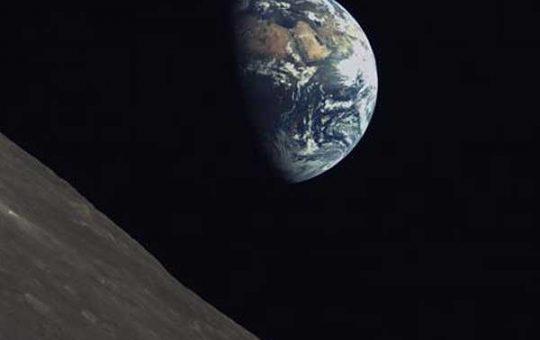 Первые снимки поверхности Луны с видеозонда микроспутника «Лунцзян-2» [видео]