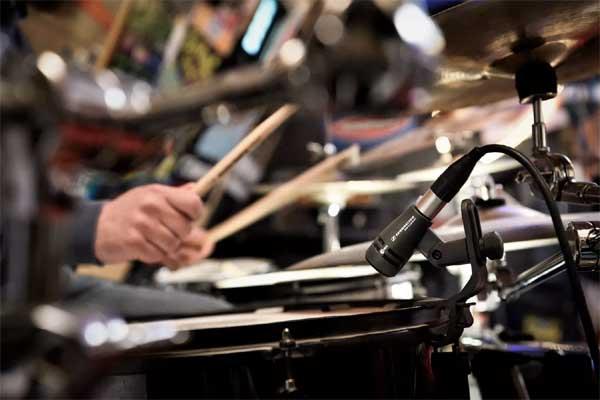 Инструментальный e 604: история барабанных дел мастера от #Sennheiser