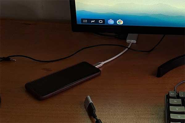 Обычный USB-C hub вместо док-станции DeX для Galaxy: говорят, работает