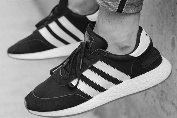 Три способа очистить кроссовки
