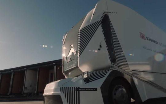 Шведской Einride разрешили испытывать беспилотный грузовик на общей дороге [видео]