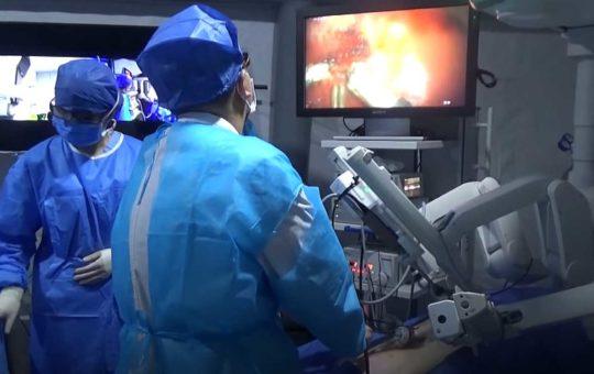 Китайские хирурги удаленно провели операцию через сеть 5G