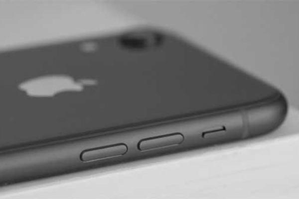 Ремонт iPhone: что можно заменить, а когда выгоднее купить новый