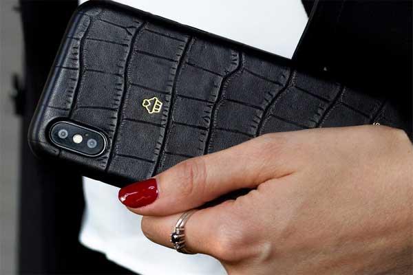 Как правильно выбрать монограмму на именной чехол для iPhone?