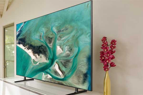 Топ 7 Smart TV до 35 000 гривен - SAMSUNG RU8000