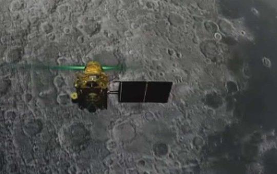 Индийский лунный модуль Vikram разбился при посадке