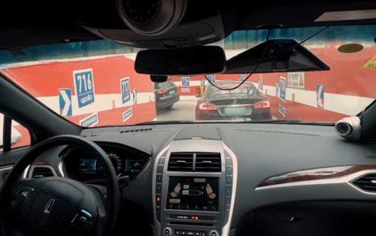 К 2025 году Китай планирует начать массовый выпуск беспилотных авто [видео]