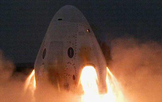 SpaceX провела огневое испытание системы эвакуации Crew Dragon