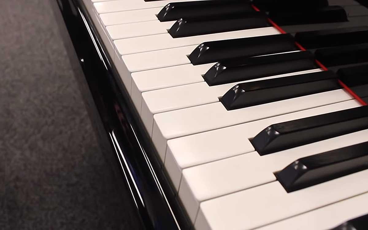 Чем отличается пианино от рояля