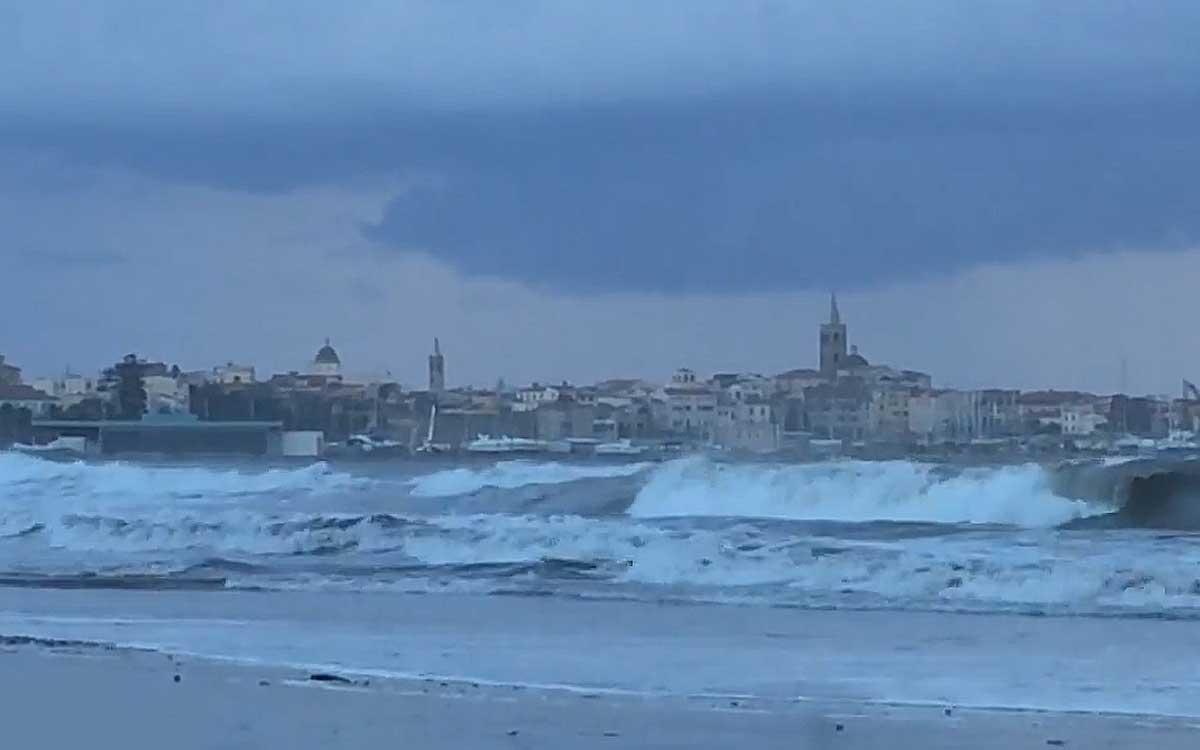 Куда пойти и что посмотреть в Альгеро, если идет дождь?