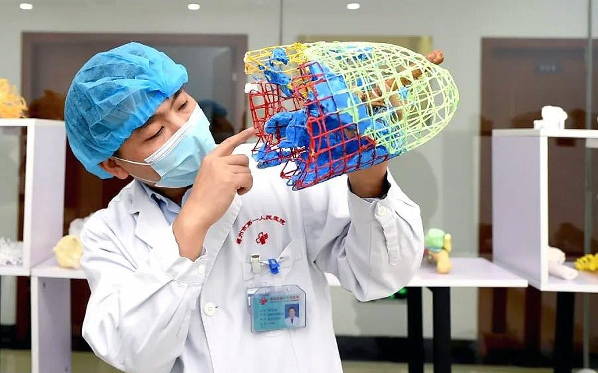 Китайские медики создали 3D-модель легких с очагом коронавируса [фото]
