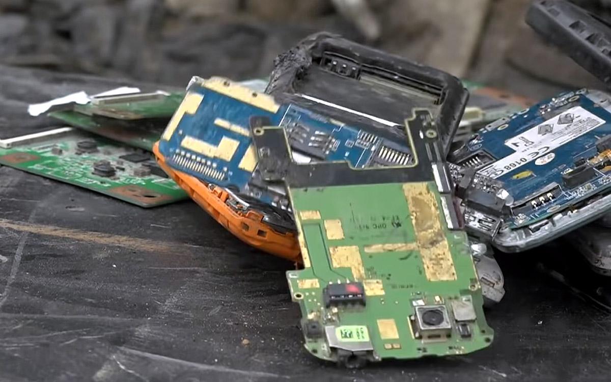 """ЕС готовит """"право на ремонт"""" смартфонов и другой мобильной электроники"""